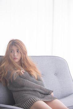 I love this hair color on her Korean Celebrities, Celebs, Asian Woman, Asian Girl, Korean Actresses, Korean Girl, Kpop Girls, Asian Beauty, Korean Fashion