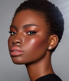 Dark Skin Makeup, Dark Skin Beauty, Hair Makeup, Makeup Set, Black Beauty, Black Girl Makeup, Girls Makeup, Beauty Make-up, Hair Beauty