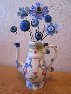 Blue Button Flower Arrangement in Floral by BeckysButtonShop Button Crafts For Kids, Crafts To Make, Fun Crafts, Arts And Crafts, Button Bouquet, Button Flowers, Diy Buttons, Vintage Buttons, Buttons Ideas