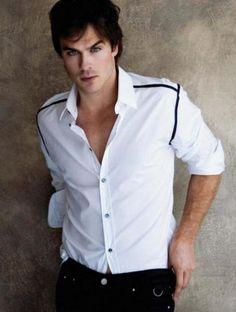 "Damon Salvatore  Apesar de ser o vampiro mal de serie ""The Vampires Diaries"" ele é um dos preferidos das garotas...  ..."