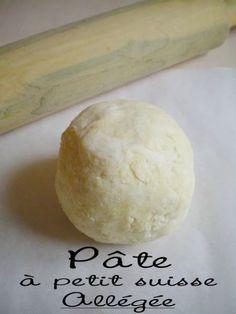 Dans un saladier verser la farine et faire un puits. - Recette Autre : Pâte à petit suisse allégé et super rapide (2.5 pts ww) par Médina
