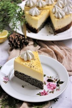 Mákos-citromhabos torta – Ízből tíz No Salt Recipes, Sweet Recipes, Real Food Recipes, Cooking Recipes, Yummy Food, Cheescake Recipe, Cheesecake, Fun Desserts, Dessert Recipes