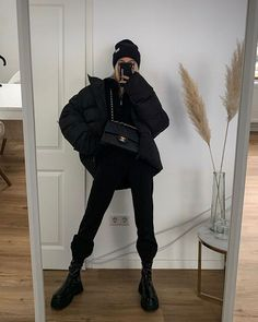 Likes, 41 Comments - Kim Duong Fashion Killa, Look Fashion, Korean Fashion, Fashion Women, Girl Fashion, Street Looks, Street Style, Winter Outfits, Summer Outfits