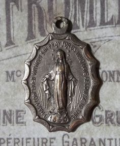 Italian Silver Scalloped Miraculous Medal Of The Immaculate Conception 1830 Blessed Virgin Mary