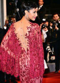 PHOTOS Cannes : Sonia Rolland sublime dans sa robe en dentelle