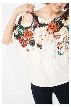 45595c8628 T-shirt ample avec imprimé floral | Desigual.com 1010 Verano, Manos,