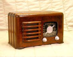 Old Antique Wood Zenith Vintage Tube Radio -Restored Working Ingraham Black Dial