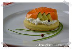 FOCACCINE CON SALMONE E FORMAGGIO fragolaelettrica.com Le ricette di Ennio Zaccariello #Ricetta