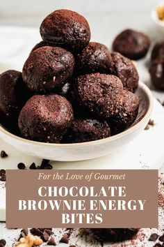 Chocolate brownie energy bites are the perfect healthy snack and kid-friendly too! Made with walnuts, pepitas, oats, peanut butter, honey, flaxseed meal, and cocoa powder, they're a healthy and delicious snack that you can make in 10 minutes. #healthysnack #kidfriendly #browniebite Healthy Fruit Snacks, Easy Snacks, Yummy Snacks, Delicious Desserts, Snack Recipes, Yummy Food, Keto Recipes, Protein Bites, Energy Bites