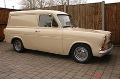 anglia van sold 1967 on car and classic uk Vintage Vans, Vintage Trucks, Old Trucks, Ford Motor Company, Ford Anglia, Panel Truck, Cool Vans, Ford Shelby, Commercial Vehicle