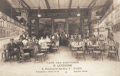 """boulevard Barbès - Paris 18ème Le """"Café des Amateurs"""" ou """"Grand Comptoir Barbès"""" au n° 3 du boulevard Barbès, vers 1900."""