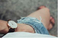 Strach z ubíhajícího času: Je už pozdě? Sport Watches, Cool Watches, Watches For Men, Women's Watches, Wrist Watches, Watches Online, Mr Right, Love Is Everything, Famous Men