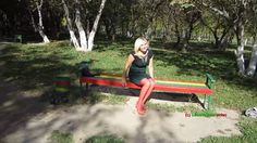 Natalia - in Pumps + Strümpfen im Park (wearing pumps + stockings in a p...
