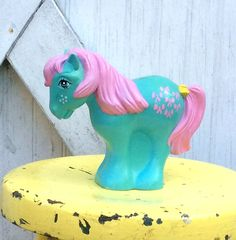 Check out this item in my Etsy shop https://www.etsy.com/listing/279470844/vintage-retro-my-little-pony-g1-coin