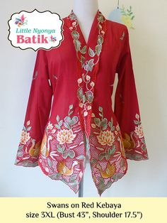 3XL : Plus-size Peranakan Kebaya High Quality. Blue, Red, Purple Batik Kebaya, Batik Dress, Kebaya Masa Kini, Embroidery Materials, Embroidery Patterns, Flower Motif, Model Kebaya, City Outfits, Embroidery Suits Design