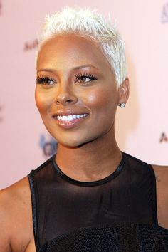 10 African-Amierican Short Hairstyles for Women Short Sassy Hair, Super Short Hair, Short Grey Hair, Hair Color For Black Hair, Short Hair Cuts, Pixie Cuts, Short Blonde Pixie, Gray Hair, Celebrity Pixie Cut