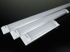A V-tac Samsung LED chippel szerelt bútorvilágítói is kiváló eszközei a ledes konyhafénynek!   A mindössze 25 mm vastagságú lámpatestek rendkívül kis helyet foglalnak, ráadásul 230 Volt hálózati feszültségről működnek, így a hagyományos konyhaszekrényekbe, régebben épült konyhabútorokba utólag is be tudjuk őket szerelni!   Kiváló minőségükről az 5 év garancia is árulkodik, de legfőbb előnyük a beépített Samsung LED!   V-TAC prismatic LED fitting ledes bútorvilágítók 30-60-120-150-180 cm… Money Clip, Money Clips