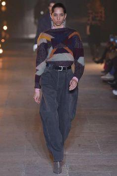 Isabel Marant Fall 2017 Ready-to-Wear Fashion Show - Yasmin Wijnaldum