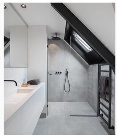 Relaxing Bathroom Ceiling Lights Ideas For Cozy Bathroom To Try Relaxing Bathroom Ceiling Lights Ideas For Cozy Bathroom To Try Bathroom Inspiration // Inspi Deco Emotive renovation of a house: by ewaa - Bad Dusche unter Schräge Sloped Ceiling Bathroom, Small Attic Bathroom, Small Bathroom Tiles, Relaxing Bathroom, Upstairs Bathrooms, Modern Bathroom, Bathroom Lighting, Bathroom Plumbing, Industrial Bathroom