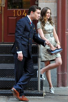 Chuck Bass and Blair Waldorf of course Gossip Girl Blair, Mode Gossip Girl, Gossip Girl Chuck, Estilo Gossip Girl, Gossip Girl Outfits, Gossip Girl Fashion, Gossip Girls, Estilo Blair Waldorf, Blair Waldorf Outfits