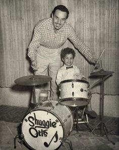 The young Shuggie with his father, the R&B musician and impresario Johnny Otis. Rock And Roll Fantasy, Jazz Blues, Keith Richards, Music Albums, World Music, Popular Music, Happy Fathers Day, Pop Music, Drums