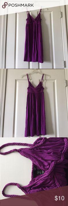 Vneck barely worn dress!! Purple nearly new dress from H&M! H&M Dresses Mini