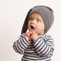 Gratis sy- og strikkeopskrifter - Se alle gratis mønstre her - STOFF & STIL Knitting For Kids, Knitting For Beginners, Baby Knitting, Christmas Feeling, Christmas Baby, Baby Outfits, Baby Barn, Baby Cardigan, Christmas Knitting