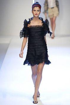 Valentino Spring 2007 Ready-to-Wear Fashion Show - Katarina Ivanovska