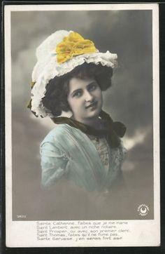 old postcard: AK junge Frau mit weissem Hut und Halstuch