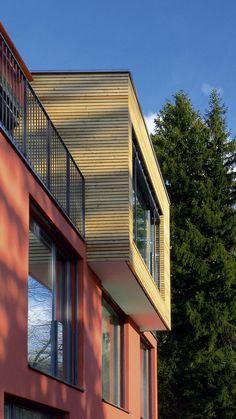 Exklusives Architektenhaus mit Auskragung und Blick auf den Zürichsee und die Alpen, m3 Architekten, #architekt #zürich #zuerich Uni, Stairs, Mansions, House Styles, Home Decor, Architects, Alps, Projects, House