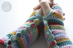 Cherry Heart: Stripy Mitts Tutorial