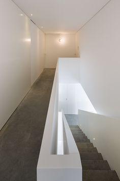 AZO sequeira arquitectos associados house in bonfim porto portugal designboom