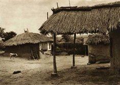 Cara-Orman,-colibe - case traditionale romanesti Historical Architecture, Art And Architecture, Macedonia, Albania, Slovenia, Traditional House, Old Photos, Rum, Bali