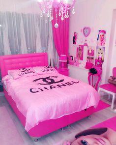 Simple Decor Ideas For Teen Girl Bedrooms Cute Bedroom Ideas, Cute Room Decor, Girl Bedroom Designs, Room Ideas Bedroom, Bedroom Decor, Chanel Room, Chanel Pink, Deco Rose, Teen Girl Bedrooms