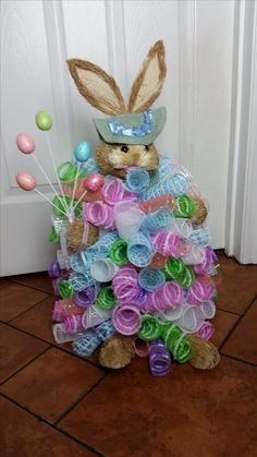 Easter Tree, Easter Wreaths, Mesh Wreaths, Tomato Cage Crafts, Tomato Cages, Easter Projects, Easter Crafts, Hoppy Easter, Easter Bunny