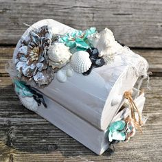 Sweet Memories: Sea Treasure Chest Sea Crafts, Seashell Crafts, Treasure Chest Craft, Beach Hut Decor, Pinterest Diy Crafts, Box Frame Art, Altered Cigar Boxes, Mermaid Crafts, Rustic Crafts