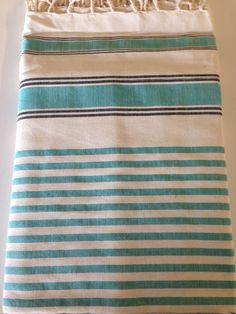 Maxi Fouta Azul Canario 2 Tamaños: - 2m*2m   - 3m*2m Pr. lanzamiento: 2m*2m: 20€ - 3m*2m: 23€ Sólo hasta el 24 de noviembre de 2014 Turkish Towels, Weaving Patterns, Knitting Ideas, Loom, Weave, Shawl, Hand Weaving, Textiles, Stripes