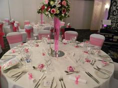 Perfect pink, napkins bowed to add more colour to the table