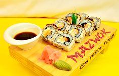Ikanegui Sewajakara: Los mejores camarones crispis en forma de rolls, bañados en queso crema y cebolla caramelizada. Sushi Love, Shape, Caramelized Onions, Cream Cheeses, Get Well Soon