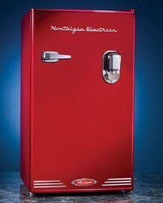 Nostalgic Mini Fridge Compact Dispensing Refrigerator Fridge Freezer Home Office #NostalgiaElectrics