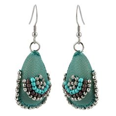 Gorgeous! Green handcrafted textile earrings with beads of various coloursTotal drop: 5 cmMax width : 2.5 cm