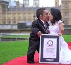 InfoNavWeb                       Informação, Notícias,Videos, Diversão, Games e Tecnologia.  : Guinness World Records: menor casal do mundo é bra...