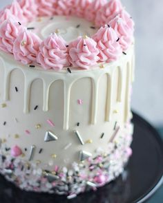 Over the top sprinkles, and white ganache drips are kind of my favorite. This week's live cake tutorial will be my TV Segment this… Bolo Drip Cake, Bolo Cake, Drip Cakes, Pretty Cakes, Cute Cakes, Beautiful Cakes, Amazing Cakes, Fondant Cakes, Cupcake Cakes