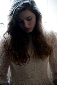 "See this goregous girl right here? She goes under the monkier ""Birdy"" and her voice is just amazing Go listen to her covers of ""A Team"", and ""Skinny Love"". Amor No Confesado, Birdy Singer, Skinny Love, Bon Iver, Female Singers, Music Is Life, Girl Crushes, Music Artists, Ethereal"