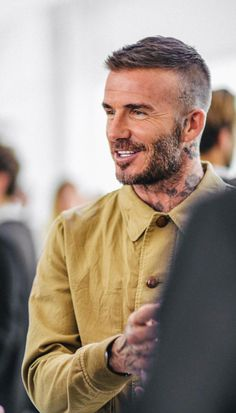 Kent and Curwen David Beckham. Kent and Curwen Style David Beckham, David Beckham Haircut, David Beckham Short Hair, David Beckham Beard, David Beckham Fashion, Cabelo David Beckham, Short Hair Cuts, Short Hair Styles, Short Hair With Beard