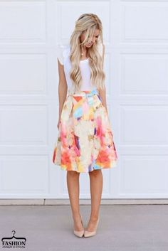Женственные юбочки с цветочным принтом.