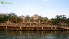 Experience a Mansion in the Caribbean without spending a fortune; do you know where to find that? Check it out! http://travelexperta.com/2011/11/want-to-experience-an-exclusive-mansion-on-the-caribbean.html #honduras #bayislands #roatan #luxuryhotel