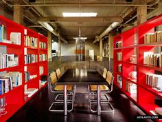 McCarthy_Residence_Stanley_Saitowitz_Natoma_Architects_afflante_com_13 | Red, Library、Interior