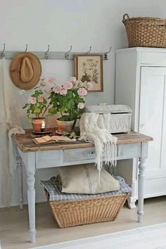 A shabby chic entryway with a wardrobe, a whitewashed console with . chic furniture Shabby Chic Entryway With A Wardrobe Shabby Chic Entryway, Shabby Chic Cottage, Shabby Chic Homes, Shabby Chic Furniture, White Cottage, Country Furniture, Antique Furniture, Shabby Chic Farmhouse, Furniture Sets