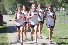 Taos girls XC wins home meet, boys take second. Photo by Gabriel Weinstein.